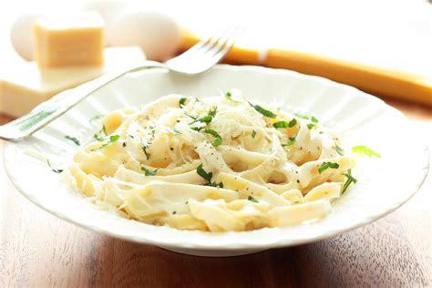olive garden chicken alfredo recipe olive garden fettuccine chicken alfredo instyle fashion one