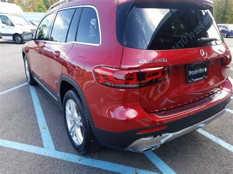 Explore the glb 250 4matic suv, including specifications, key features, packages and more. New 2020 Mercedes-Benz GLB 250 4MATIC SUV | Patagonia Red Metallic OC20-407