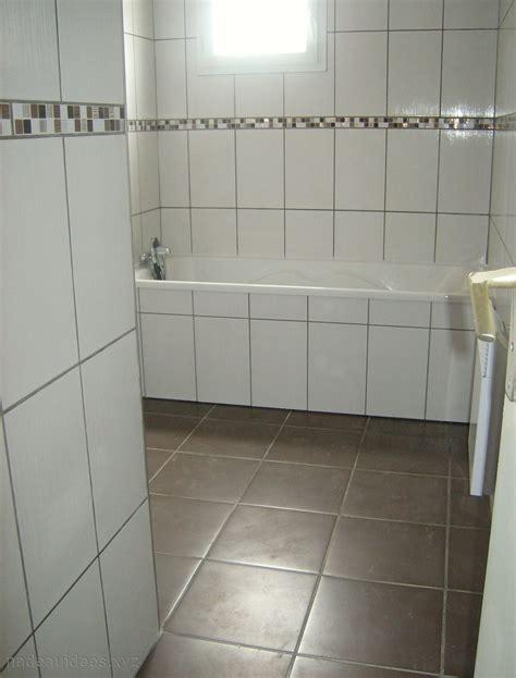 peindre la faience de cuisine peindre du carrelage au sol salle de bain peinture