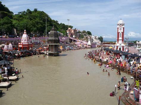 unterwegs  haridwar und rishikesh unter hindus und yogis