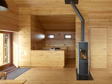 peaceful cabin designs  immerse   nature