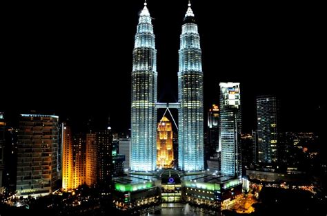 Petronas Twin Towers Time To Witness Some Architectural