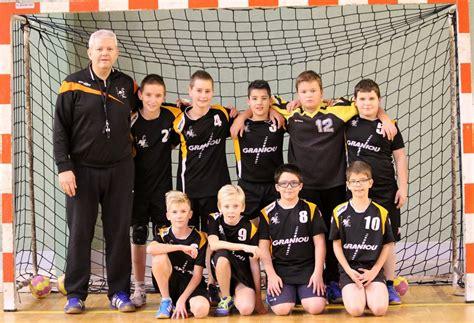 bureau 2 ans l 39 équipe des garçons de 13 à 14 ans du handball janzé