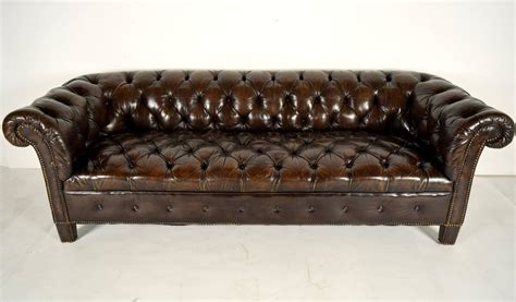 chesterfield tufted sofa vintage chesterfield leather tufted sofa at 1stdibs