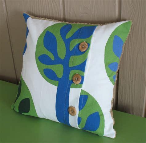 button throw pillow button throw pillow tutorial sew much ado