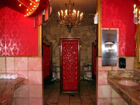 madonna inn bathroom opulent bathroom   madonna
