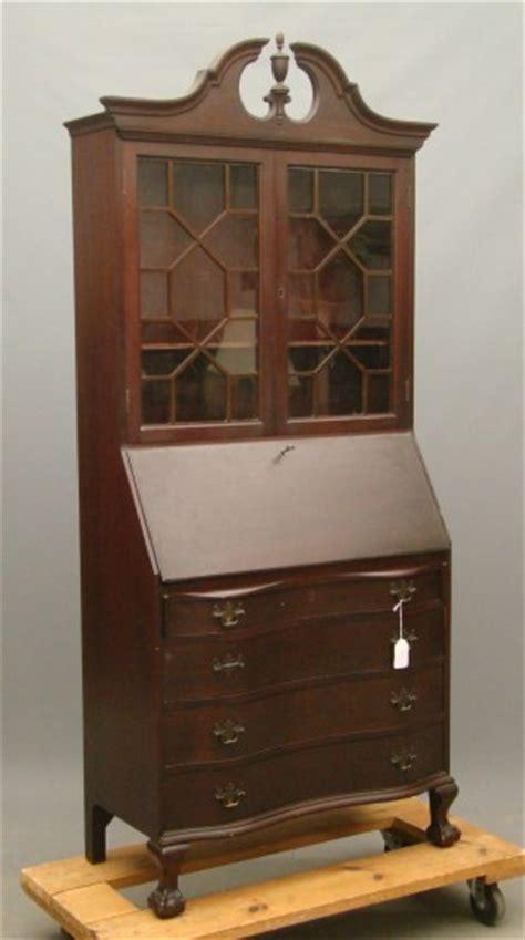 Governor Winthrop Desk by 568 Governor Winthrop Desk Lot 568
