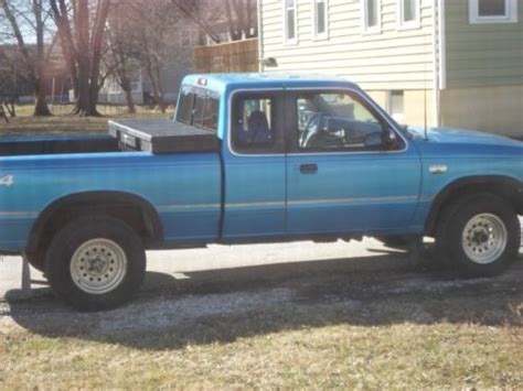 Sell Used 2003 Mazda B4000 Se Extended Cab 4x4 Pickup