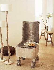 Housse De Chaise Grise : une housse de chaise en fausse fourrure marie claire ~ Teatrodelosmanantiales.com Idées de Décoration