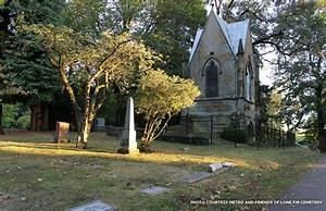 Lone Fir Pioneer Cemetery in Portland, Oregon: A Refuge ...