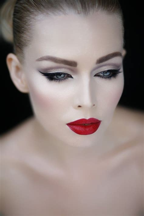 gorgeous makeup ideas  red lips  cat eyes pretty designs