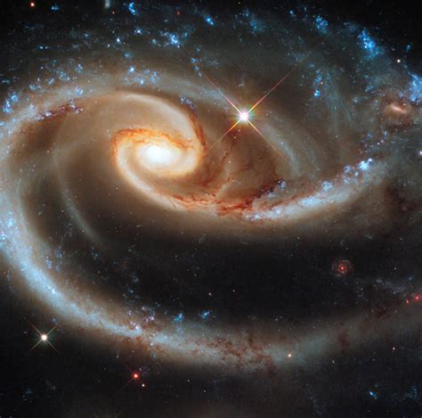 cosmos controversy  universe  expanding