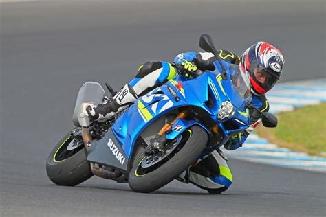 Suzuki Gsxr 600 Horsepower by 2017 Suzuki Gsx R1000r Ride 16 Fast Facts