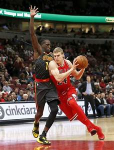 Markkanen, Bulls rebound their way to first win