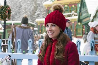 Anna Kendrick Noelle Disney Santa Daughter Vox