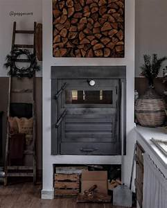 La Casa In Stile Country O Rustico  U00e8 Arredata Con Materiali Naturali  Decorazioni E For U2026 Nel