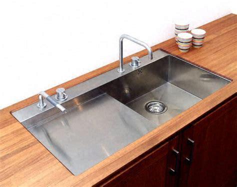 evier de cuisine inox cuisine zone d 39 vier de cuisine moderne fonce en bois