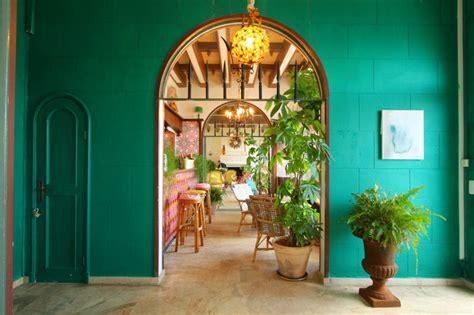 idee deco salon salle a manger cuisine déco murale exotique