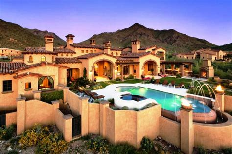 paradise valley luxurious homes have a glimpse to