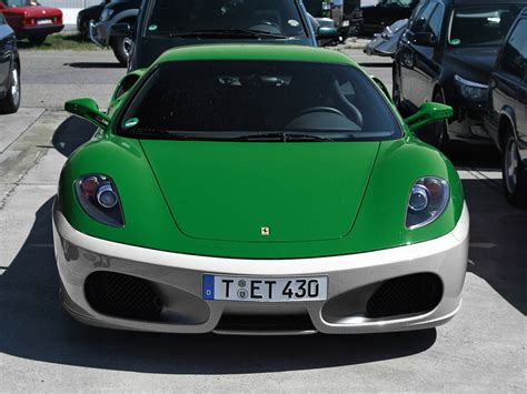Pakistani Flag Coloured Cars