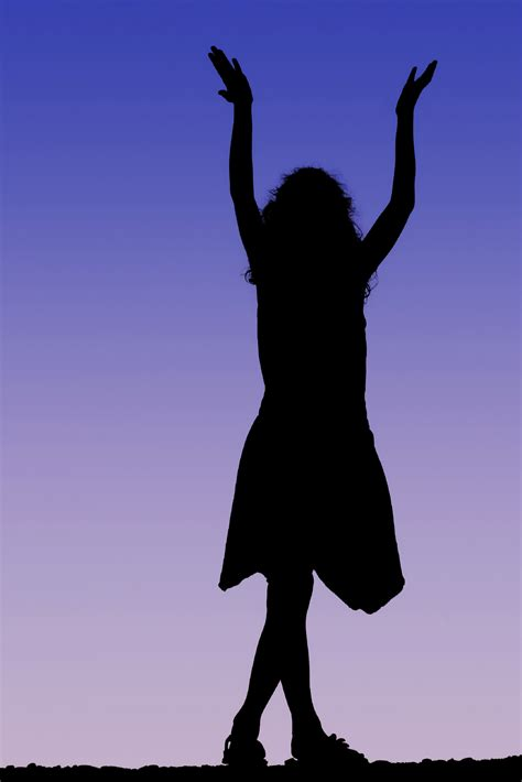 Silhouette woman reaching up clipart - Clip Art Library