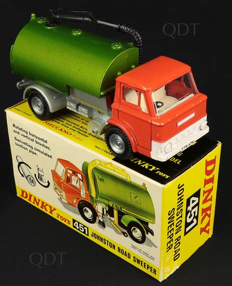 Dinky Toys 451 Johnston Road Sweeper - QDT