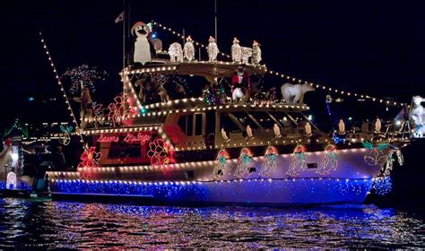 Newport Beach Boat Parade Dinner by Newport Beach Christmas Boat Parade Cruise Discounts