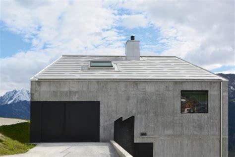 Betonhaus In Den Bergen  Moderne Einfamilienhäuser