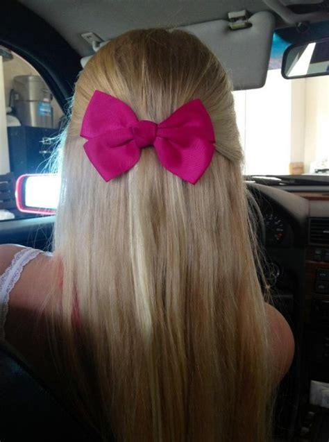 spring hair idea smart sassy blonde  pink bow
