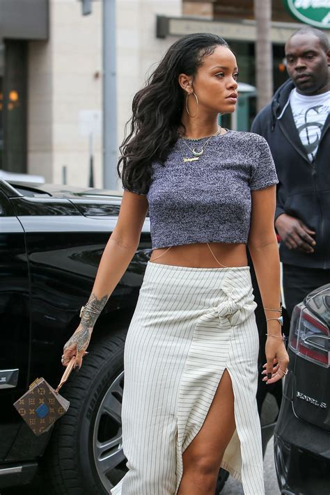 Style 2015 Frühling by Rihanna Style Out In Beverly January 2015