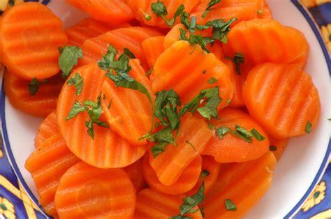 cuisiner des carottes à la poele recette de carottes vichy