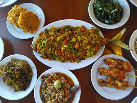 makanan khas daerah  pahlawan indonesia
