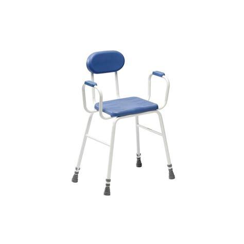 chaise accoudoir personne agee chaise de ou cuisine assise haute tous ergo