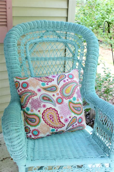 spray paint colors for wicker furniture refurbishing a white wicker rocker crafts a la mode