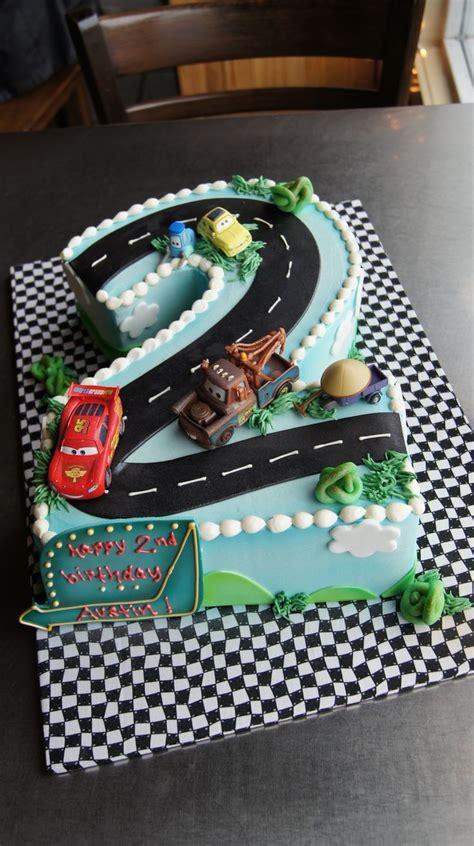 car birthday cakes ideas  pinterest race car cakes car cakes  boys  racing cake