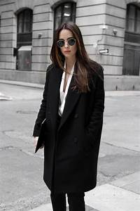 Best 25+ Black coat outfit ideas on Pinterest | Black ...