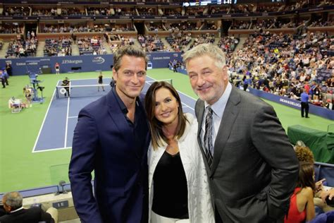 alec baldwin wintour  give   usta foundation