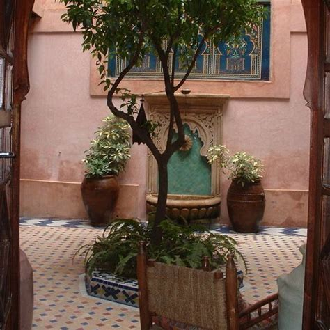 modern backyard ideas  create beautiful outdoor rooms  moroccan style