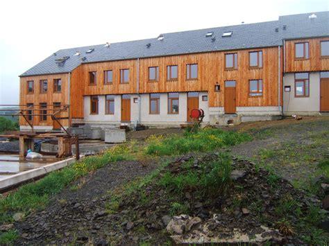 notre habitat 233 est sur pieds et avons une maison 224