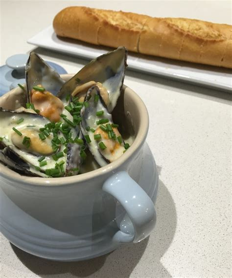 recipe for mussel pot garlic mussel pot the fish