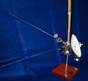 Voyager 2 Spacecraft Replica - Pics about space