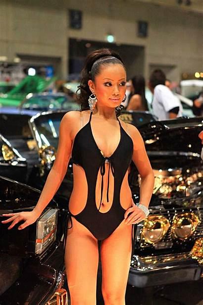 Models Bikini Lowrider
