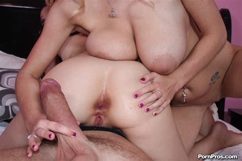 18 years old hardcore threesome sex at amateurindex