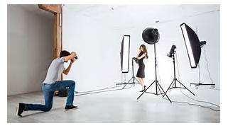 Photographers Lighting by Continuous Or Strobe Lighting Expert Photography Blogs Tip Techniques C