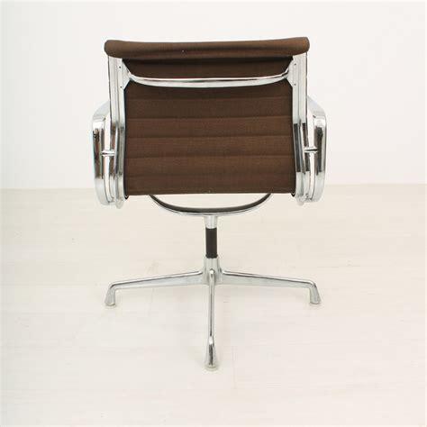 bureau vitra fauteuil de bureau charles eames charles eames