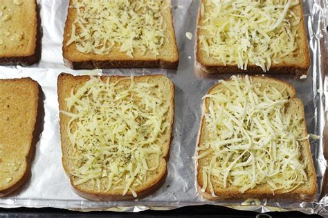 toaster oven garlic bread how to toast bread in oven temperature