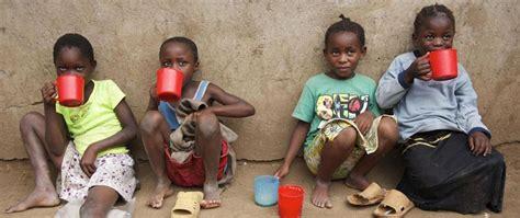 si e unicef paesi senza acqua unicef donne e bambini perdono 200