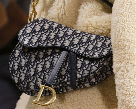diors iconic saddle bag  coming      brands fall  runway show purseblog