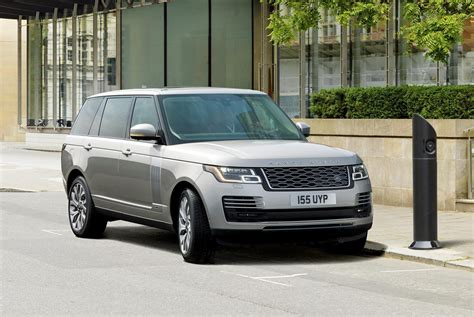 range rover land rover 2019 land rover range rover gets plug in hybrid option