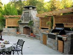 Outdoor Kitchens And Fireplaces by Outdoor Kitchen Designs Featuring Pizza Ovens Fireplaces And Other Cool Acce